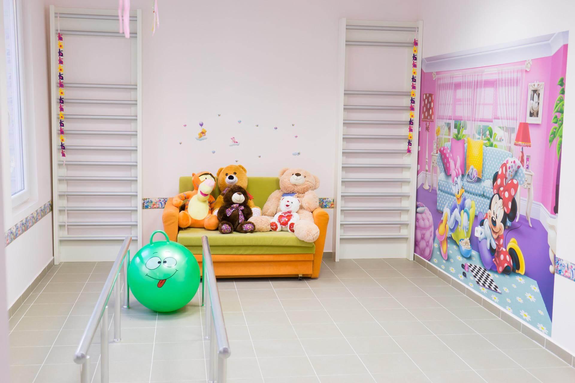 детски протези - детска рехабилитационна стая - Ортомедикс
